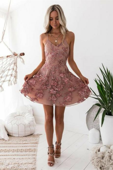 A-Line Spaghetti Straps Blush Tulle Prom Dress with Appliques