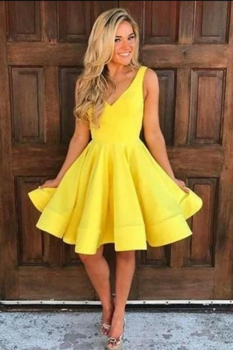 Cute V Neck Yellow Homecoming Dresses,Sleeveless Short Prom Dresses