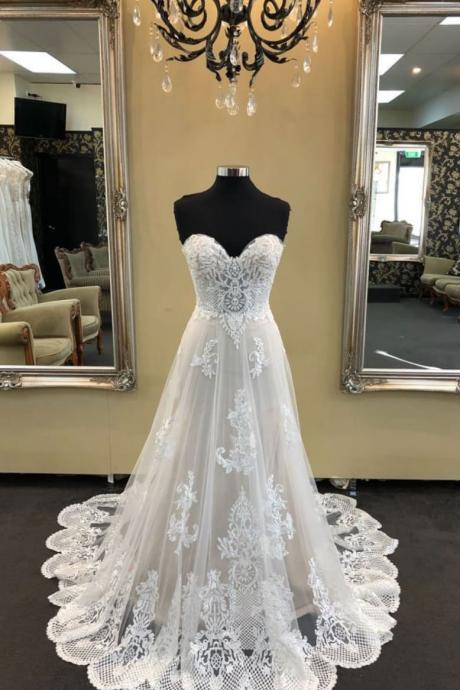 White sweetheart neck tulle lace long wedding dress
