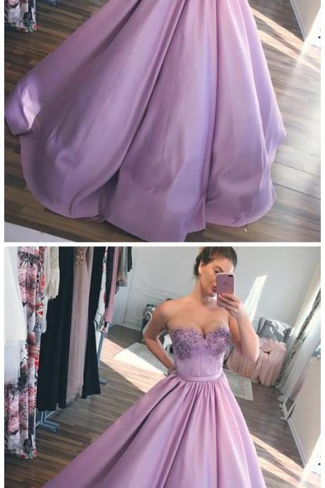 Chic Sweetheart Satin Sleeveless Ball Gown Appliques Prom Dress